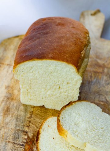 Farmhouse Homemade White Bread (Amish Bread)